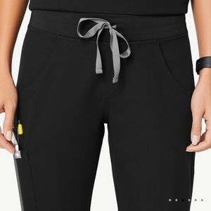 Figs   Black Kade Cargo Work Scrub Pants Size XL